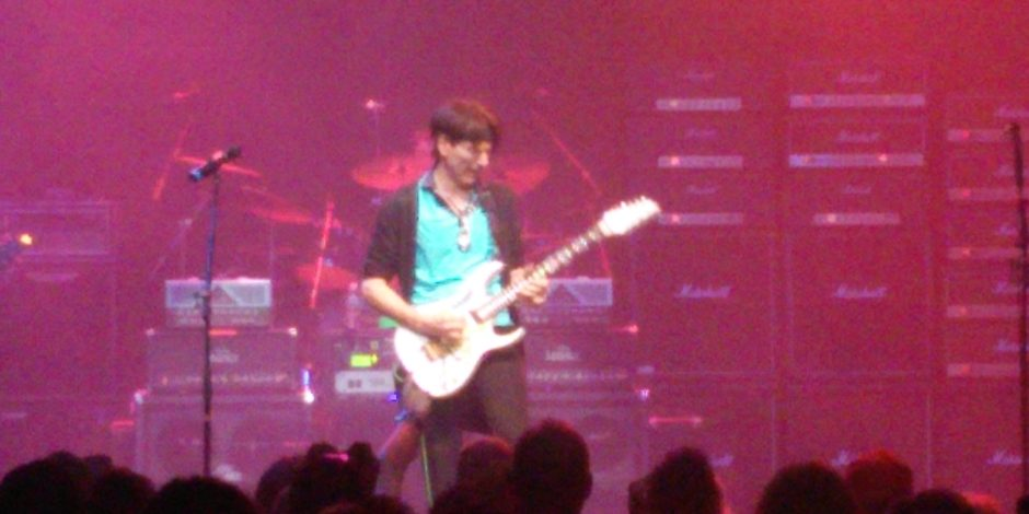 Steve Vai rocks Generation Axe!